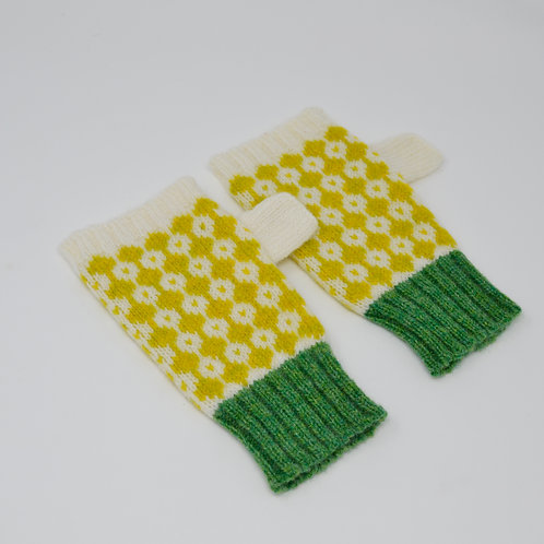M/L SIZE White, yellow and green gloves