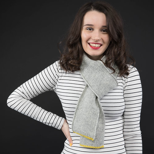 Mid Skinny grey scarf with yellow edge