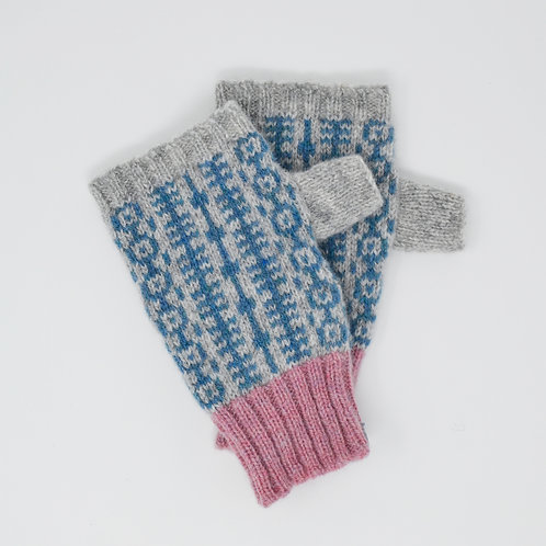 Grey and pastel pink gloves