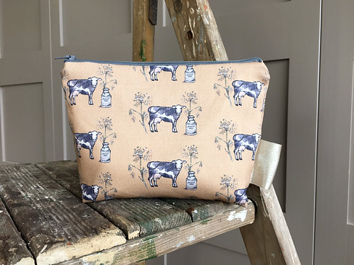 Somerset Dairy Pouch Bag