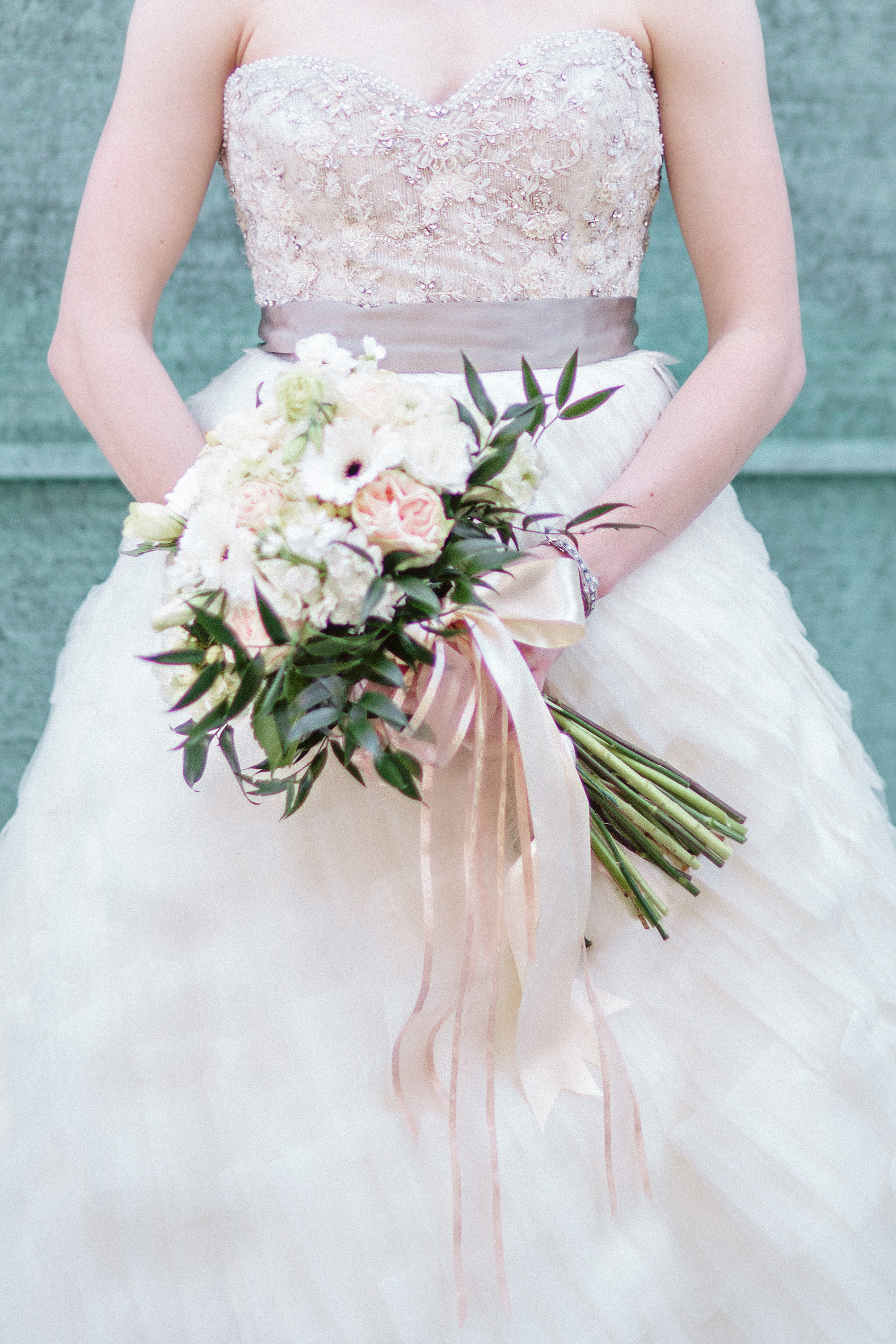 wedding_bouquet_bride