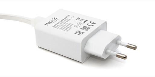 อุปกรณ์อิเลคทรอนิคส์ 'อแดปเตอร์' ถูกมาร์ครายละเอียดและสเป็ค ด้วยเครื่องเลเซอร์มาร์คกิ้งจาก Macsa id