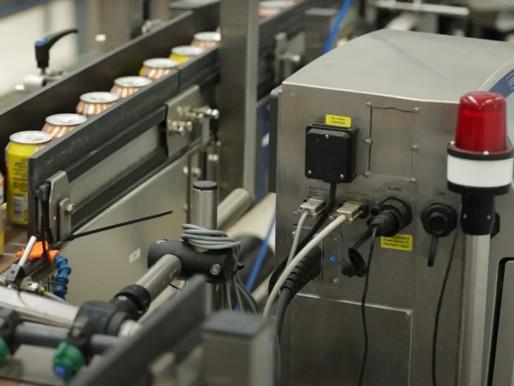 เครื่องพิมพ์เลขรหัส วันเดือนปีผลิต วันหมดอายุ บนอุตสาหกรรมอาหารและเครื่องดื่มชนิดกระป๋อง