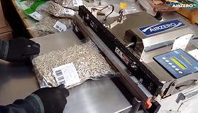 """อาหารทะเลแปรรูป """"ทำอร่อยมีสิทธิโกอินเตอร์"""" มาดูกันค่ะ ว่าใช้เครื่องซีลสูญญากาศท่อดูด คุณภาพสูง (Airzero Nozzle Type Vacuum Sealer) อยู่ในส่วนไหนของการผลิต"""