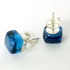 Stud Earrings 24€