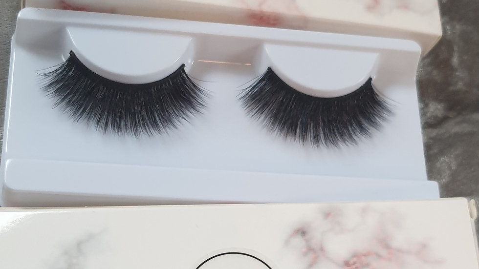Faux mink lashes Stunner