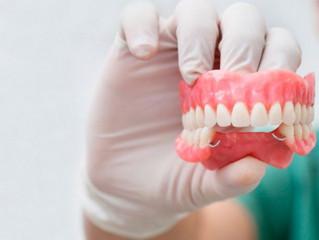 ¿Le faltan dientes? ¡tenemos la solución!