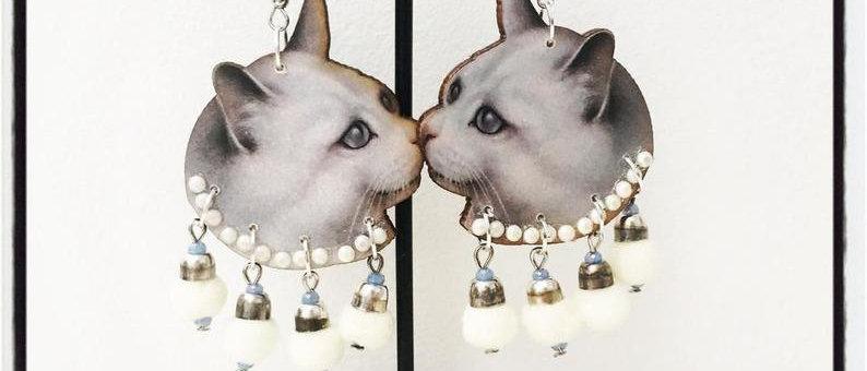 """Boucles d'oreilles """"Chats Blanc en bois"""""""
