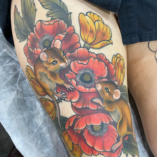 Mouse and poppy tattoo by Jade Lomax