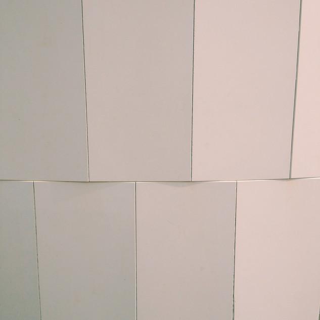 Columna de azulejos.jpg