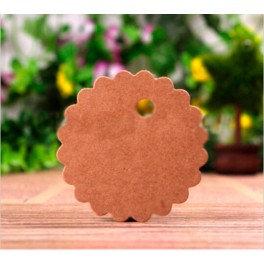 Pack de 50 tarjetas kraft en forma de flor