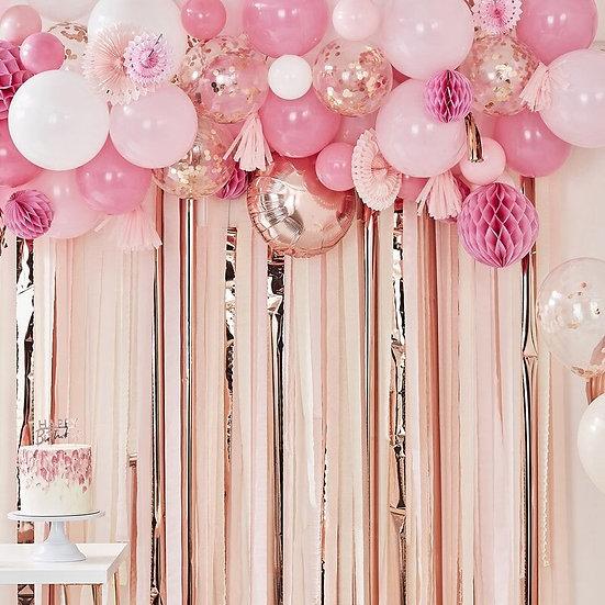 Guirnalda de globos y pomperos rosa