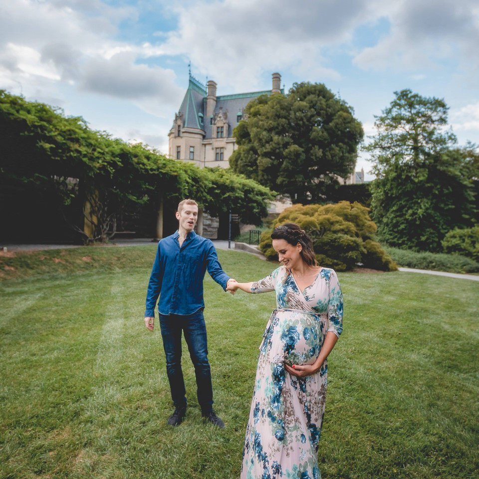 Biltmore Estate Maternity Photographer