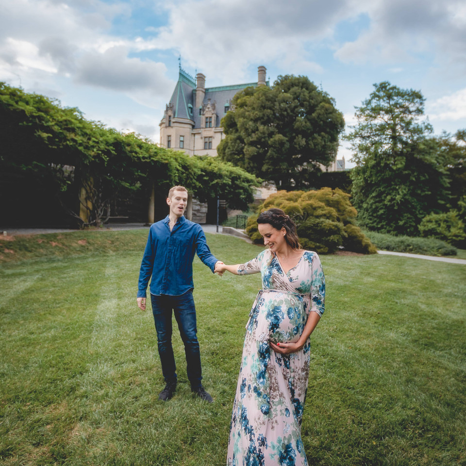 Biltmore Estate Maternity Photographer