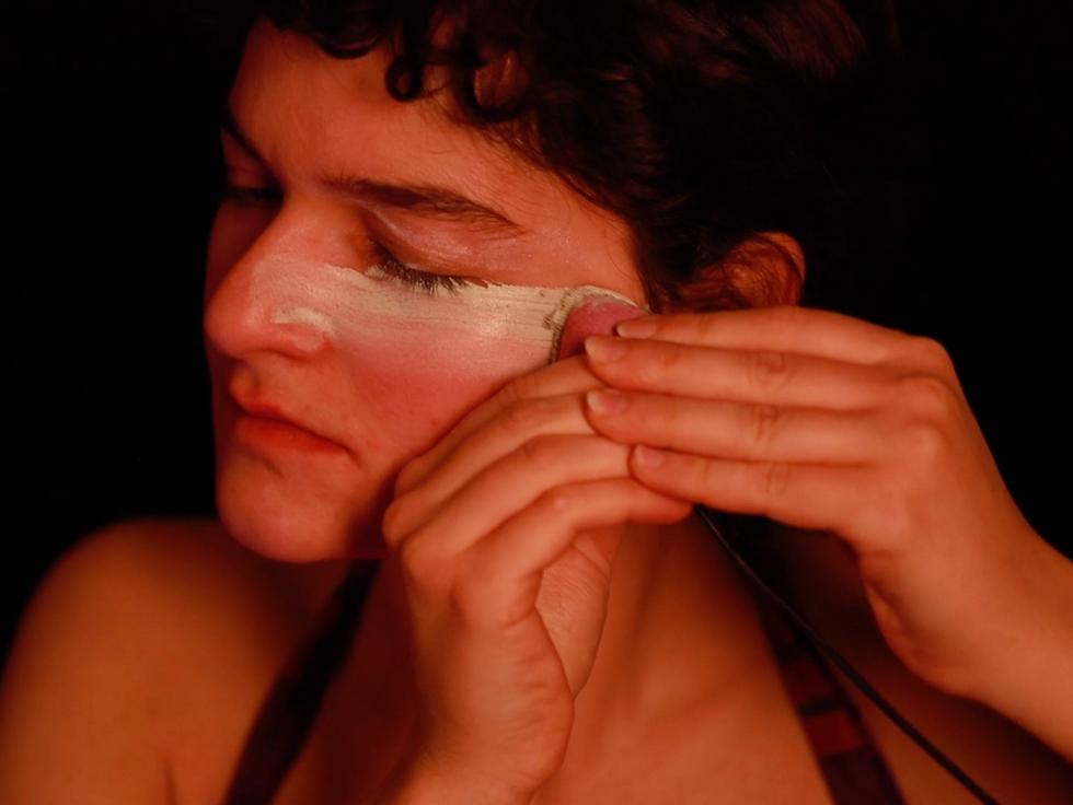 Coquetta-make-up application