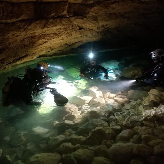 Corso Cave