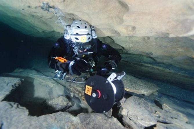 corso-full-cave-speleologia-subacquea.jp