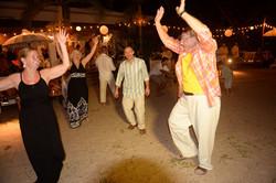 La Luna Hands Up Dance