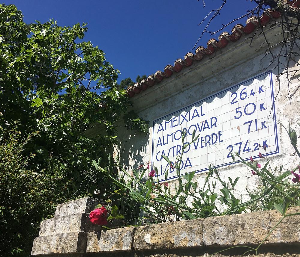 Casa dos cantoneiros houses in the Algarve decorated in blue tiles (azulejo)
