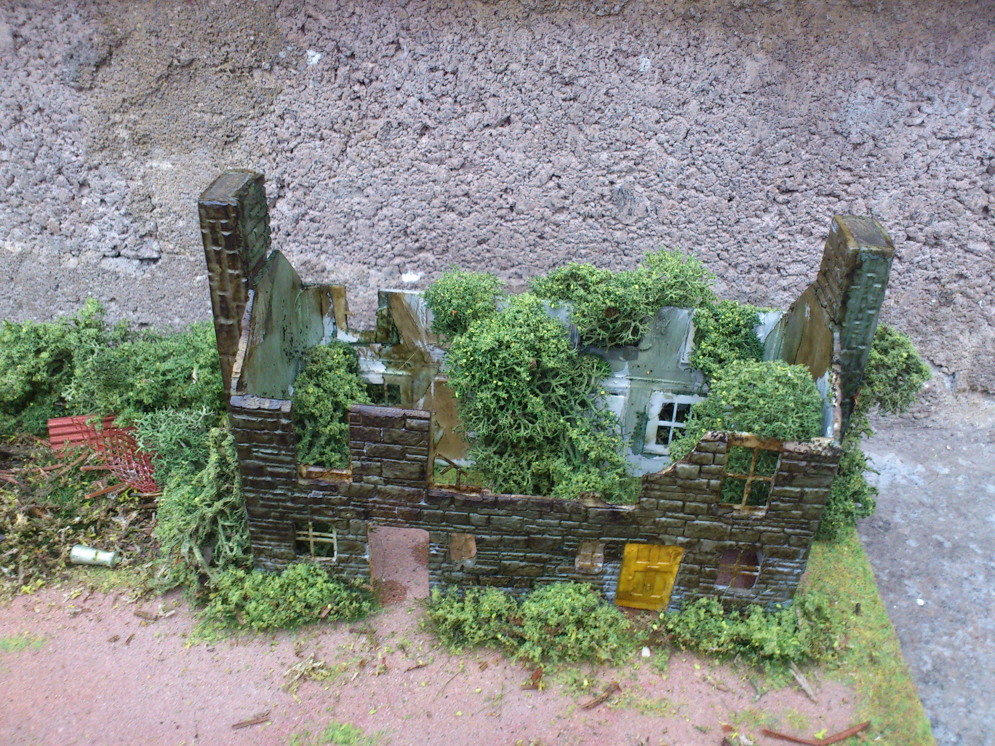 OO/HO Derelict Farm Diorama