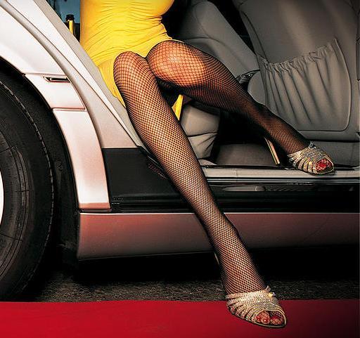 girl limo.jpg