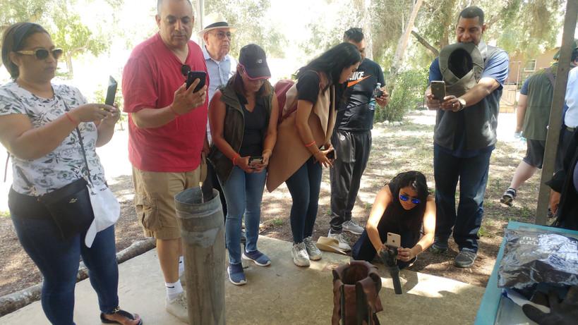 תצוגה של קסא״מ ופצמ״ר בכפר עזה