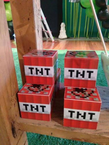 Caixa TNT para doces