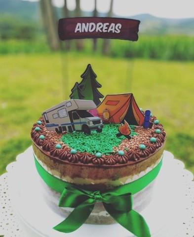 Topo de bolo camping