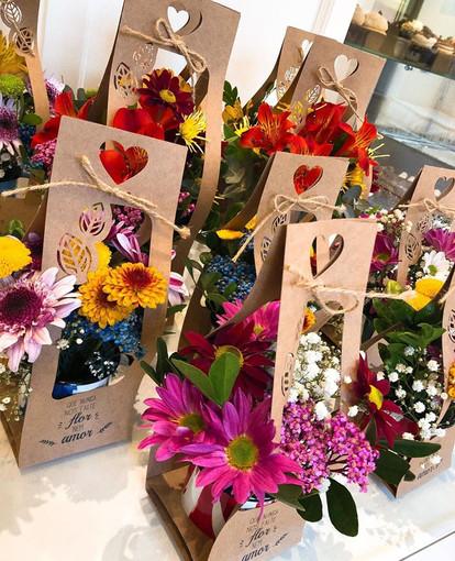 Embalagem para caneca com flores