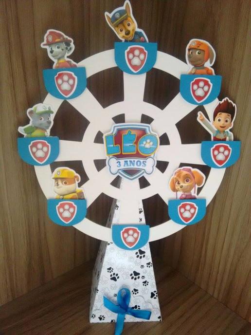 Mini roda gigante com pirulitos