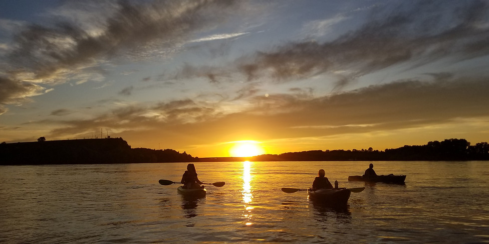 Intro to Missouri River Paddling at Sunset