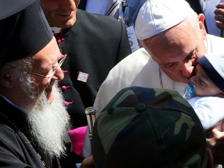 """MFA Applauds Pope and Patriarch For Crucial """"Hands-On"""" Support of Syrian Refugees"""