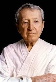 """Filosofia do jiu-jitsu: """"Ser tão forte que nada possa perturbar a paz da tua mente""""."""