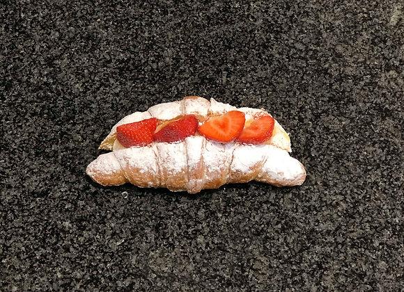Croissant fruit