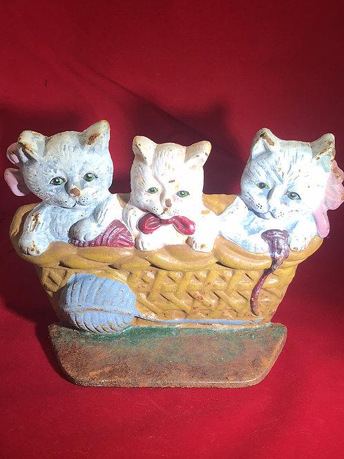 cast iron, kittens hold the door, door stop, trio of kittens