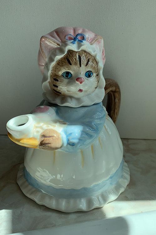 Teapot Mama Kitty White Apron