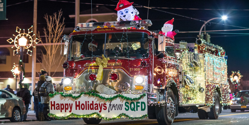 - Lighted Fire Truck Parade II -