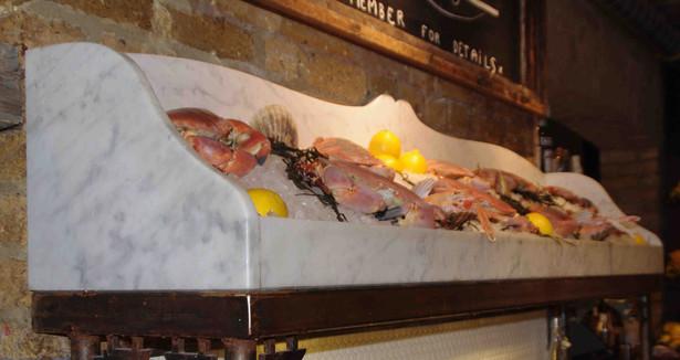 Carrara Marble Fish Stand