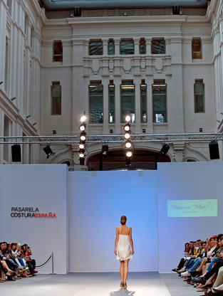 PASARELA COSTURA ESPAÑA. PALACIO DE CORREOS. MADRID