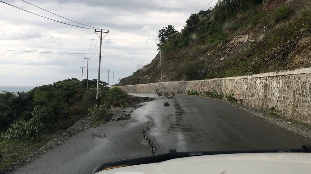 the national highway from Dili to the Indonesian border