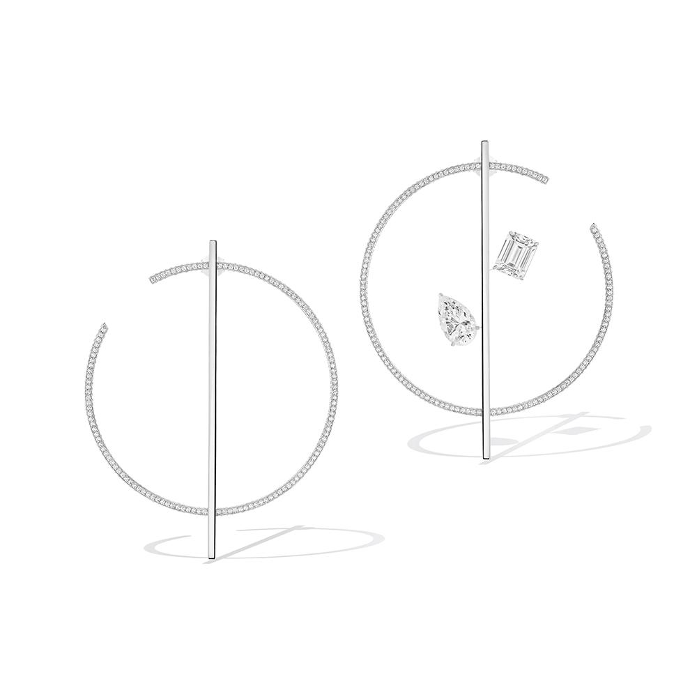 تشكيلة DANSEURS AÉRIENS  MESSIKA JEWELRY قرط الأذن المزوّد بكبسة: ألماسة بِقصّة الزمرّد وزنها 1,01 قيراط، لونها F ودرجة نقاوتها VVS2 ألماسة كمثرية وزنها 1,03 قيراط، لونها F ودرجة نقاوتها VVS1 ألماسة بِقصّة الماركيز وزنها 1,04 قيراط، لونها E ودرجة نقاوتها VVS2 ألماسة بِقصّة الزمرّد وزنها 1,04 قيراط، لونها F ودرجة نقاوتها VVS2 ألماسة بيضاوية وزنها 1,01 قيراط، لونها E ودرجة نقاوتها VS1 وزن الألماس الإجمالي 5,13 قيراط