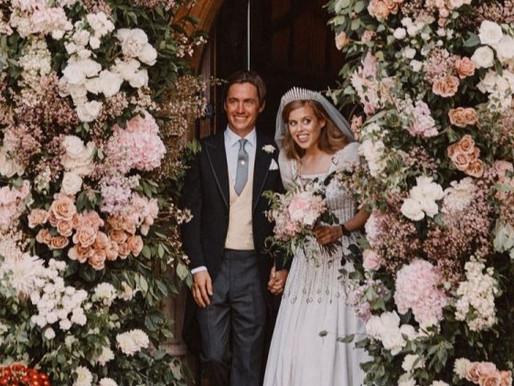 تزوجت الأميرة بياتريس من ادواردو مابيلي موظى في حفل حميم في الكنيسة الملكية لجميع القديسين في وندسو