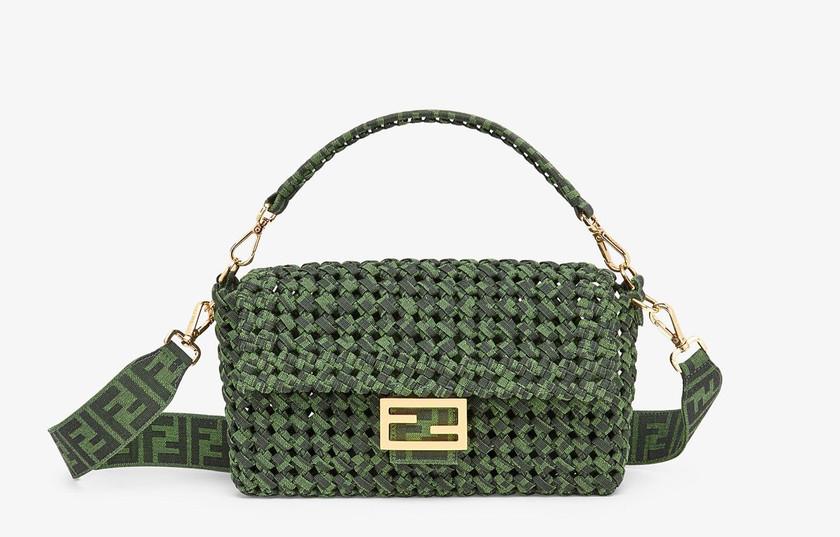 Fendi Iconic Baguette bag حقيبة فندي باغيت