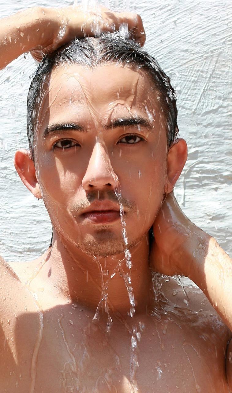 洗頭的方式要正確,才不會導致頭皮屑或是掉髮的問題。
