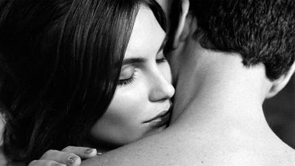 嗅覺是女人選擇男人的第一條件,如果你有淡淡香氣,好感度會立即上升。