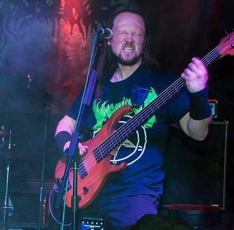 Руслан Дрозд бас гитарист KORYPHEUS с 2020 года