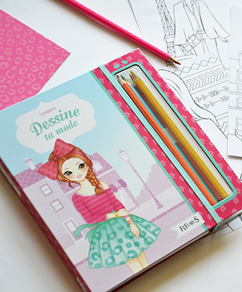 FLEURUS EDITIONS - Illustrations d'un coffret sur la mode.