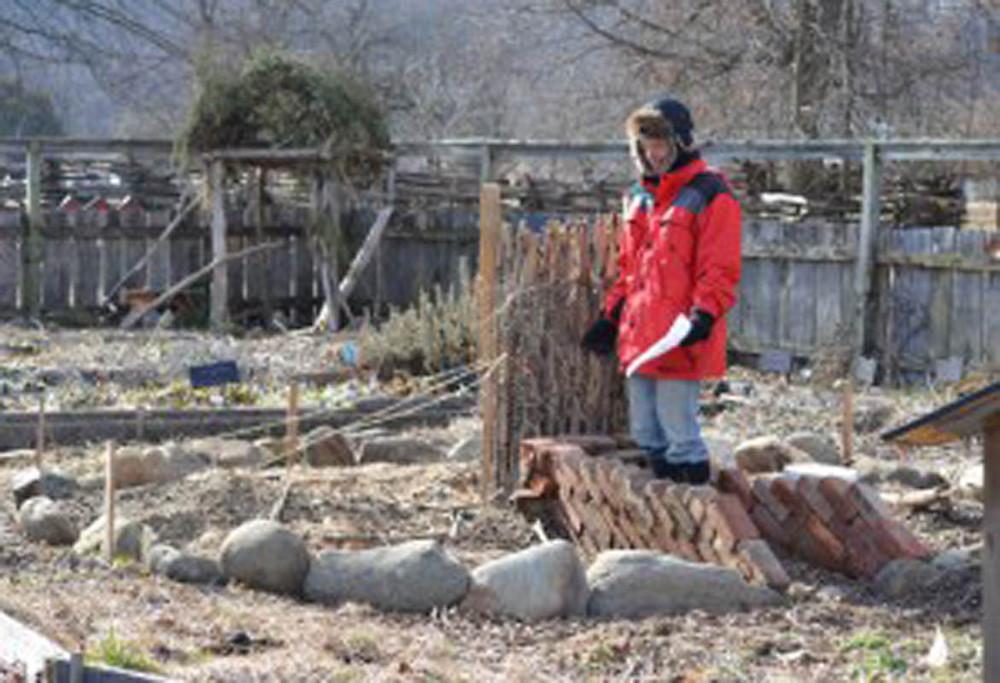 Matt explains how a keyhole garden raised-bed design.
