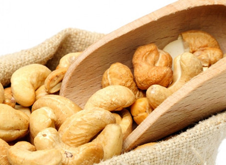 Top Health Benefits of Eating Cashew Nuts ( Kaju) - Breaking Some Myths Here!