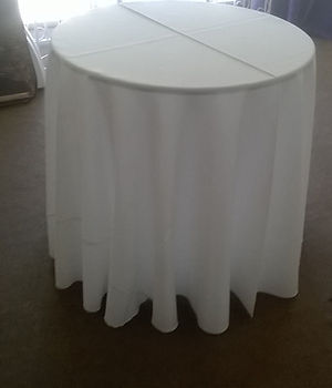 30' Round Table Dinnig Floor Length